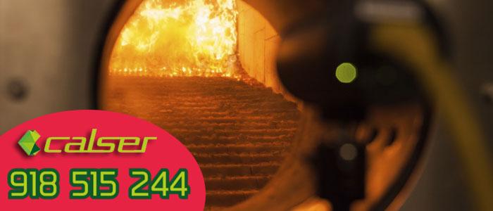 Pelletes en el quemador que producen la ceniza que limpiamos con nuestro servicio de Mantenimiento y revision de calderas de biomasa en Collado Villalba